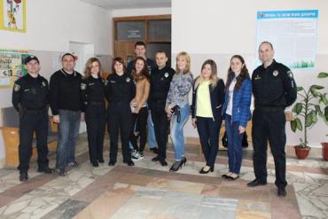 """Полицейские Ужгорода и Мукачево присоединились к акции """"Сдай кровь – спаси жизнь"""