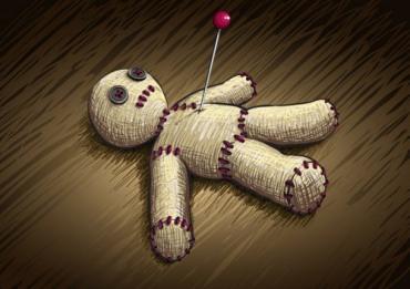 Онучка Погорєлова вимагає повернути її улюблену ляльку!!!