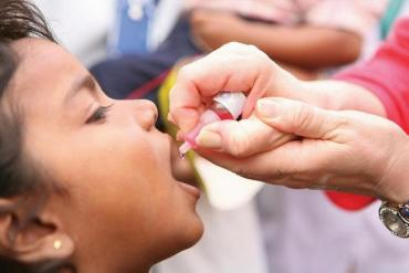 Массовая иммунизация детей от полиомиелита близится к завершению