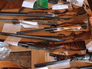 Владельцы нелегальных арсеналов имели возможность сдать их