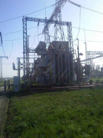 В одном из трансформаторов произошла утечка масла с последующим воспламенением