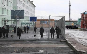 Дивне самогубство сколихнуло колонію на Рівненщині