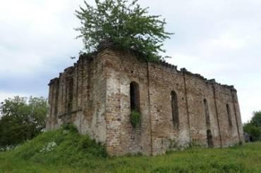 Старинная церковь в Чумалево