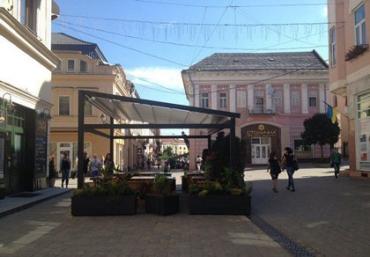Ужгородские депутаты оставили террасу на Корзо в Ужгороде