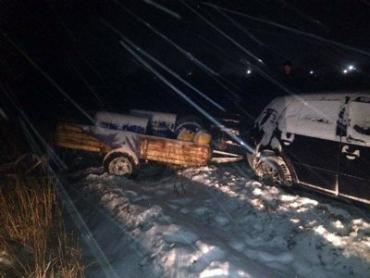 Закарпатские полицейские догнали и задержали машину полную краденых вещей