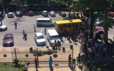 На Одещині розлючена громада заблокувала роботу районного суду