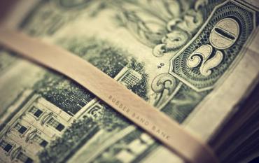 Курс валют від НБУ: долар і євро подешевшали