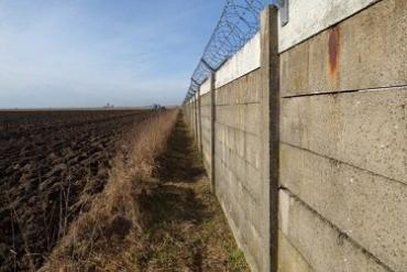 РФ планирует отгородить оккупированный Крым от Украины стеной