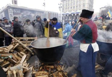 Евромайдан превращается в туристическую достопримечательность