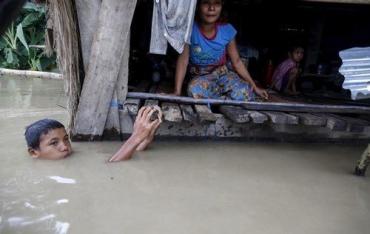 Дожди продолжаются в регионе Пакистана, Мьянмы и Индии уже три недели