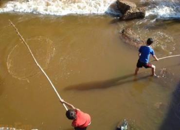 На реке Уж сеткой ловили рыбу