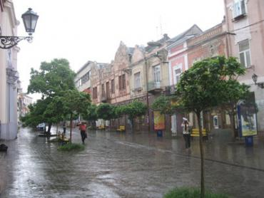 В понедельник днем в Ужгороде ожидается дождь с грозой