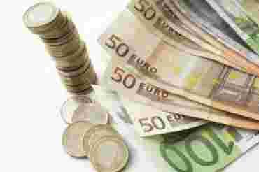 Евро теряет позиции на наличном рынке Украины