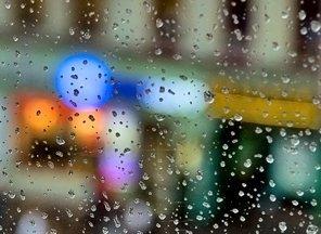 У понеділок вдень в Ужгороді очікується дощ із грозою
