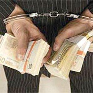 Работодателей через суды заставляют выплачивать задолженность по зарплате