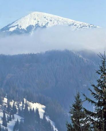Працівники МНС рятують 4 туристів на горі Говерлі