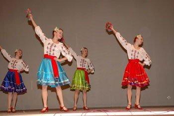 У коледжі культури і мистецтв працюють 80 штатних педагогів вищої кваліфікації