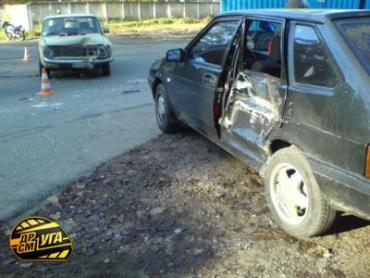 В Киеве ВАЗ-2101 не пропустив ВАЗ-2109.