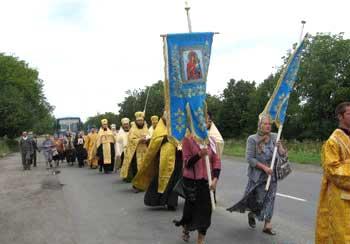 Крестный ход с мощами святителя и Чудотворца Спиридона