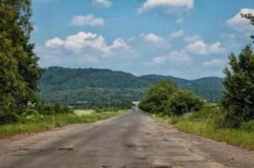 Дорогу к закарпатским Лумшорам не ремонтировали более 30 лет