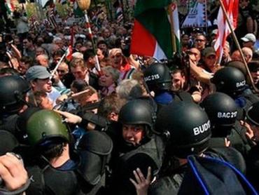 Демонстранты на улицах Будапешта