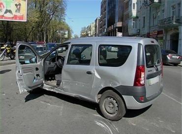 ДТП в Киеве: пострадал мотоциклист