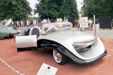 Автомобиль батюшки Альфредо Юлиано