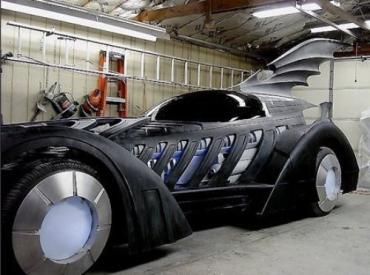 """Копия автомобиля из фильма 1995 г. """"Бэтмен навсегда"""""""