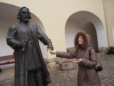 Кто потрет князю Корятовичу указательный палец, у того сбудется желание