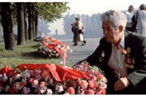 В Варшаве осквернено кладбище