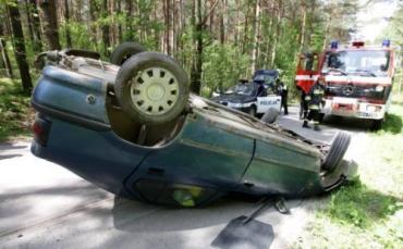В Польше Renault проехал на крыше 50 метров