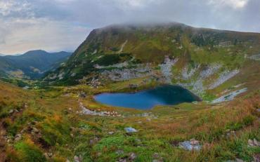 Як на долоні: краса українських гір зачарувала мережу