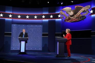 Хиллари Клинтон уверенно победила Дональда Трампа на первых дебатах