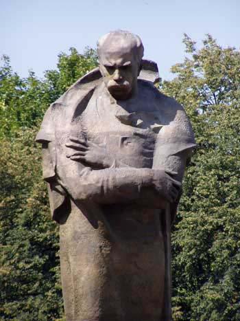Ужгород, памятник Тарасу Шевченку