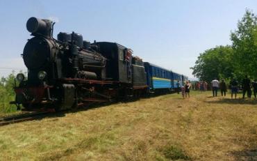 На Закарпатті почав курсувати туристичний ретро-потяг