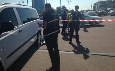 Серед білого дня: невідомий підстрелив київського школяра