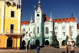 У Мукачеві презентувались відразу 2 ужгородських художника