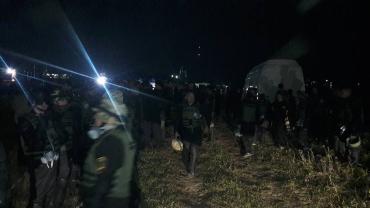 На КПП «Краковець» прибули активісти з Штабу блокади торгівлі з окупантами