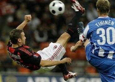 Шевченко едва не забил красивым ударом через себя в матче с Цюрихом