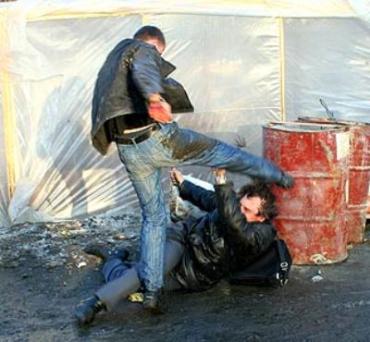 В Мукачево бывший зек устроил драку с ножем