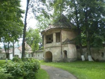 Замок Довгаїв в Іршавському районі відроджується