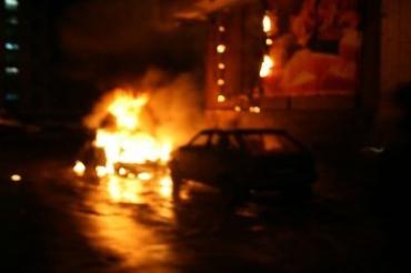 """В Мукачево подожгли автомобиль """"Фиат-гранде Пунто"""""""