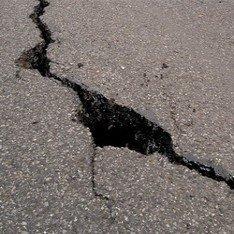 Отремонтированный участок дороги Киев-Чоп разрушается