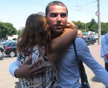 В Одессе Евгений Шаповалов попал в объятия мамы