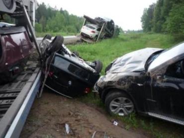 Шесть BMW попали в ДТП под Кировом