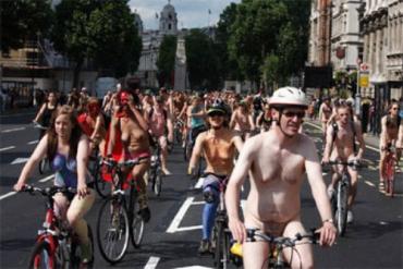 Велопробег голых велосипедистов London Naked Bike Ride