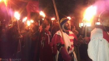 Мукачево. Смолоскипна хода середньовічних лицарів та школярів з ліхтариками