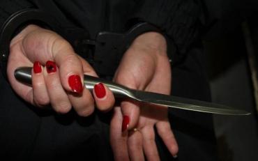 Посиденьки зі спиртним закінчились візитом до лікарні з ножем у грудях
