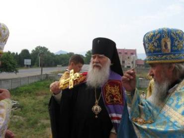 У Хусті освятили престол нового Єпархіального Храму