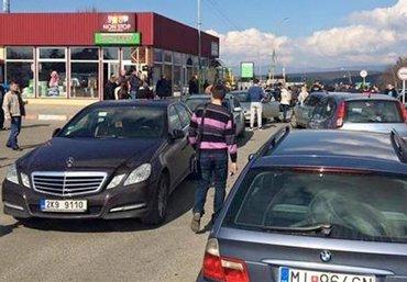 Нацполиция получит право задерживать авто на иностранной регистрации